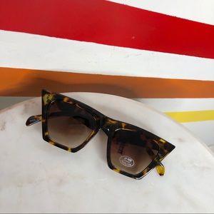 NEW Free People tortoise cat eye sunglasses